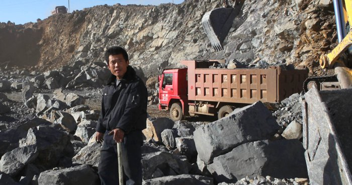China comienza a cortar la producción de tierras raras