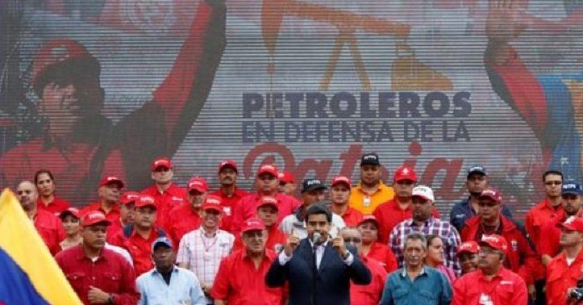 Pagando en oro, Venezuela intenta reconstruir la industria petrolera