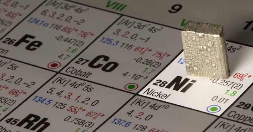 Los precios del níquel suben contra todas las leyes del mercado