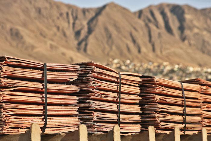 El cobre sigue fuerte mientras la producción se mantiene estable