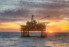 En la transición petróleo-energía renovable, los bancos arriesgan miles de millones