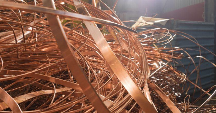 Chatarra de cobre: el mercado está tirando pero exportar a China parece arriesgado