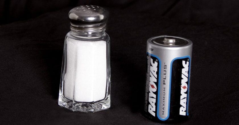 La nueva receta para los coches eléctricos de gran autonomía: baterías de sal