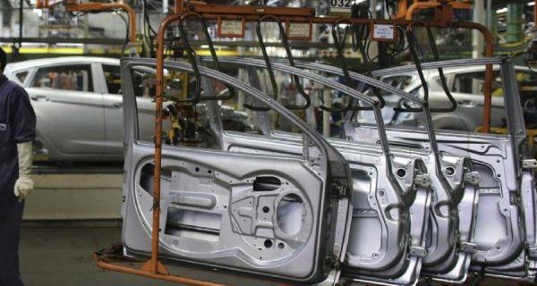 No hay metal, pero si el sector automotriz se desacelera, se liberan acero y aluminio