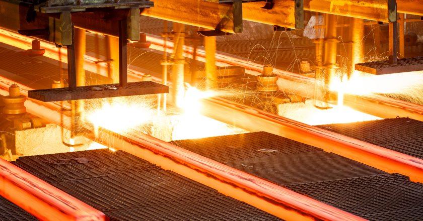La producción de acero crece en todas partes mientras Australia y China se pelean