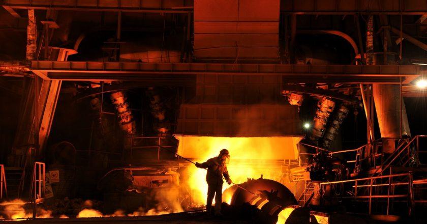 La producción mundial de acero cae. Es el segundo mes consecutivo